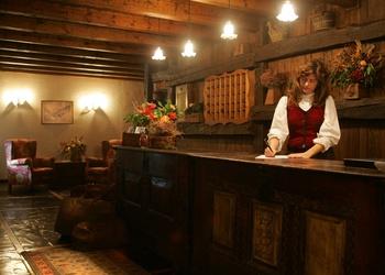 RECEPCIÓN 24 H Hotel Chalet  Val de Ruda